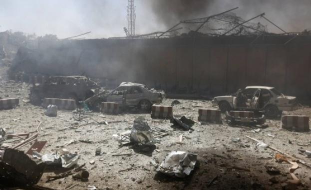 Експлозия е разтърсила конвоя на премиера на Палестинската автономия, пострадали са седем души