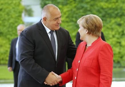 Борисов: Прегърнах Меркел, за да ѝ дам кураж. Без Германия нищо не върви