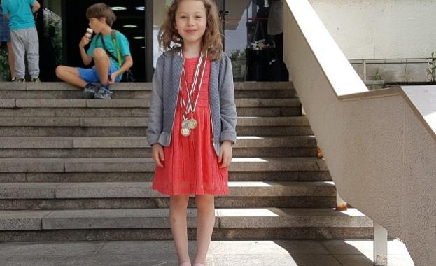 Седемгодишната Фабиана Костадинова, която преди дни стана шампион на България