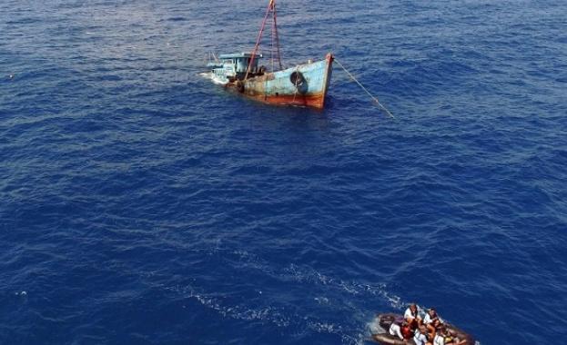 Риболовен кораб потъна в Атлантическия океан на 80 км от
