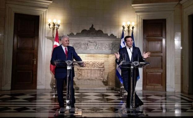 Търсейки начин да намалят последната ескалация на напрежение, гръцкият премиер