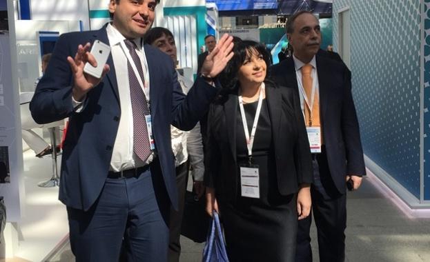 """Министър Петкова посети Международен форум """"Атомекспо"""