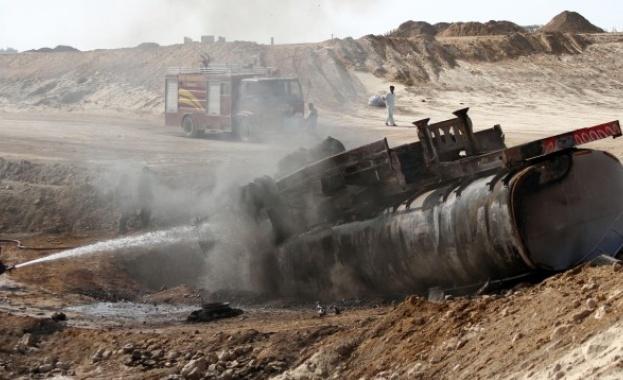 Над 140 души загинах, след като камион, превозващ петрол, избухна