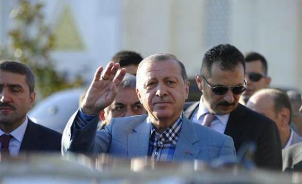 Турция изпрати военна техника към границата със Сирия