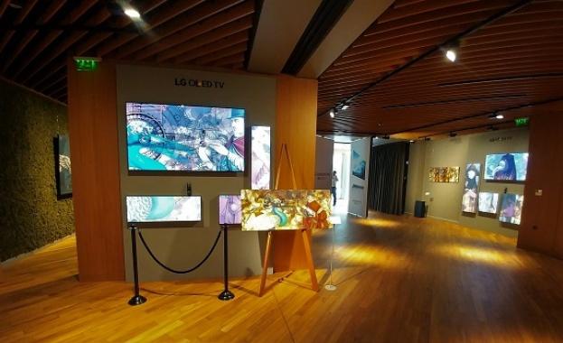 Снимка: LG и Ясен Панов осъществиха първата в България OLED изложба