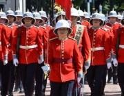 Жена ръководи смяната на караула за първи път пред Бъкингамския дворец