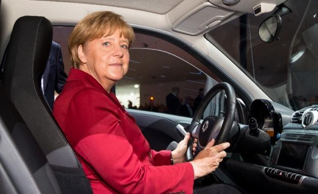 Германският премиер Ангела Меркел, която досега минаваше за ожесточен защитник
