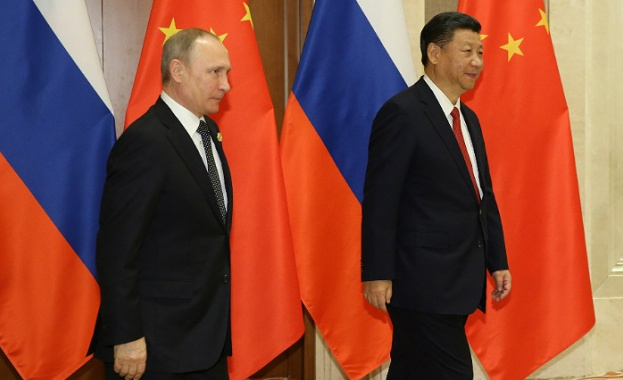 """Русия и Китай призоваха Северна Корея да """"замрази"""