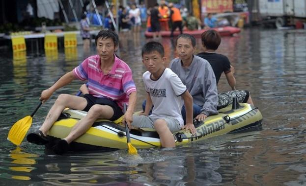 Поройни дъждове наводниха Южен Китай през последните дни, прекъснаха електроснабдяването