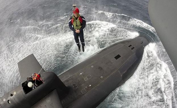 Френският президент Еманюел Макрон прекара няколко часа в атомна подводница