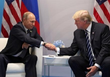 Рязък скок на одобрението към Путин в света и огромен спад на позитивното отношение към Тръмп