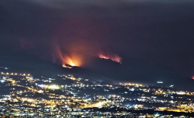 Масивни пожари се разразиха в южната част на Италия. Двама