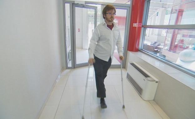 Момче, загубило крака си, създава програма за 3-D протези