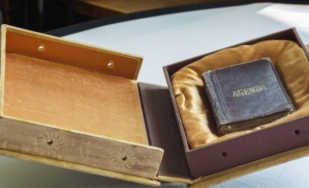 Излагат тефтерчето на Левски в Националната библиотека