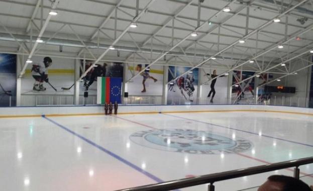 Откриха ледена пързалка с олимпийски размери в Кранево (видео)