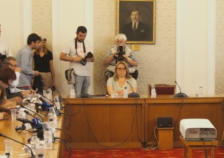 Златева: Не сменихме Боршош, за да не създаваме още сътресения в подготовката за председателството