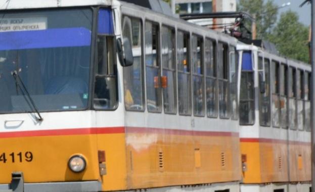 Временно е затруднено движението по трамвайни линии 20 и 23