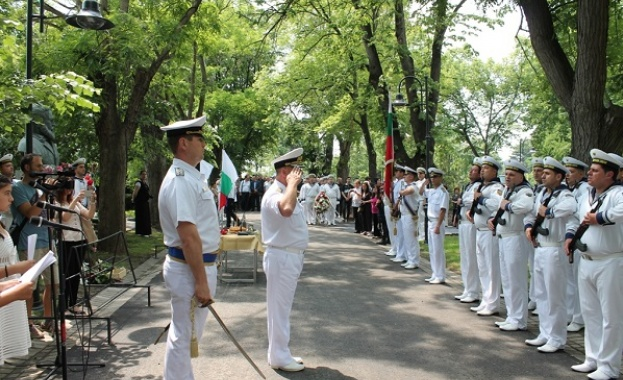 Военни кораби ще бъдат отворени за посещение във Варна