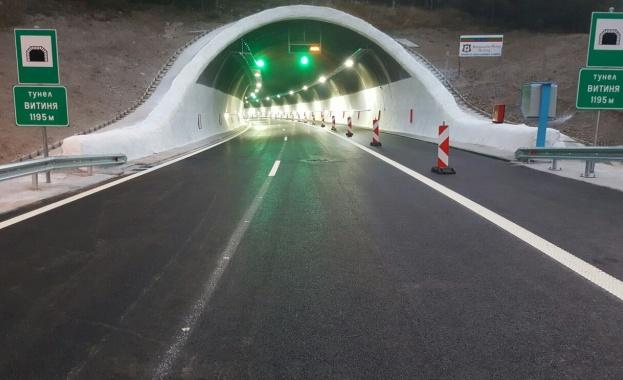 """Катастрофа в тунел """"Витиня"""" затруднява движението по АМ """"Хемус"""""""