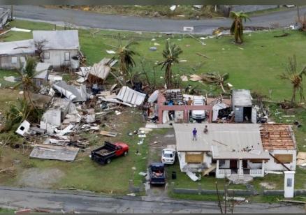 "Расте броят на жертвите на урагана ""Мария"""