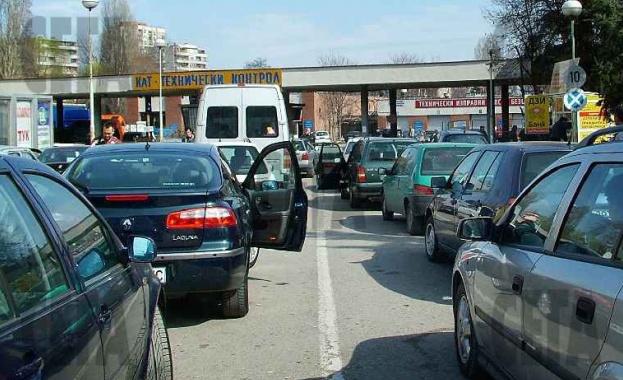 Пътна полиция ще подарява хендсфри на нови собственици на автомобили