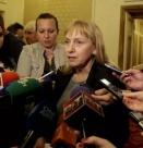 Йончева към Каракачанов: Смутена съм от съвета ви за двата шамара!