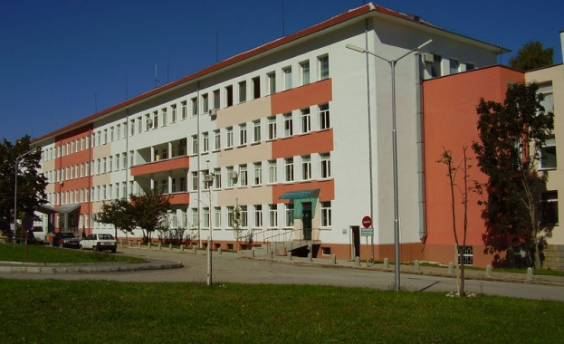 Кризата в болницата във Враца застраши живота на двама пациенти