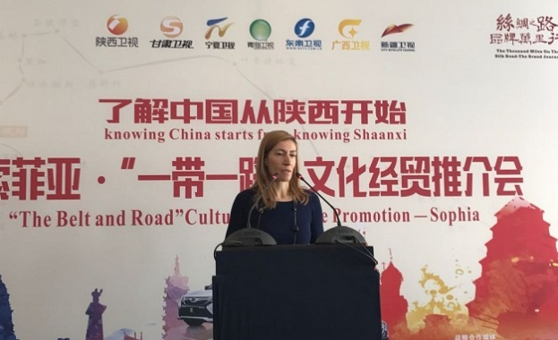 Министър Ангелкова: 50% повече китайски туристи в България до август
