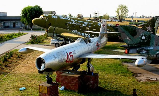 Музеят на авиацията отбелязва Празника на Военновъздушните сили с ден на отворени врати