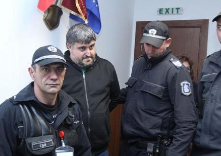Съдът решава дали да остави Спас/Александър в ареста