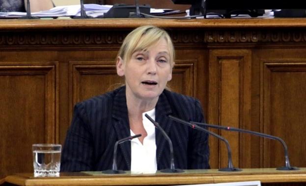 Елена Йончева към управляващите: Има ли какво да криете от гражданите на Хасково?