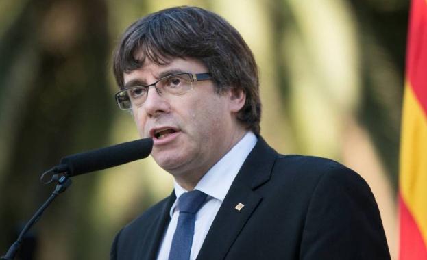 Вече уволненият премиер на Каталуния Карлес Пучдемон е свободен да