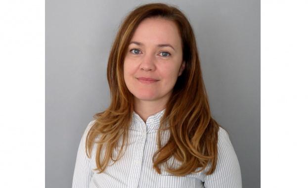 """Анна Кастрева застава начело на отдел """"Корпоративни комуникации"""
