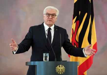 Президентът на Германия пое инициативата, започва консултации с водещите политически сили