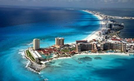 "Канкун си търси ""професионален турист"" срещу 50 хил. евро"