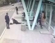 Повдигнаха обвинение срещу бияча, ритнал пенсионерка на спирка в Бургас