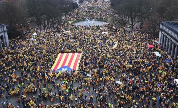 45 хиляди души излязоха в подкрепа на каталунската независимост в Брюксел