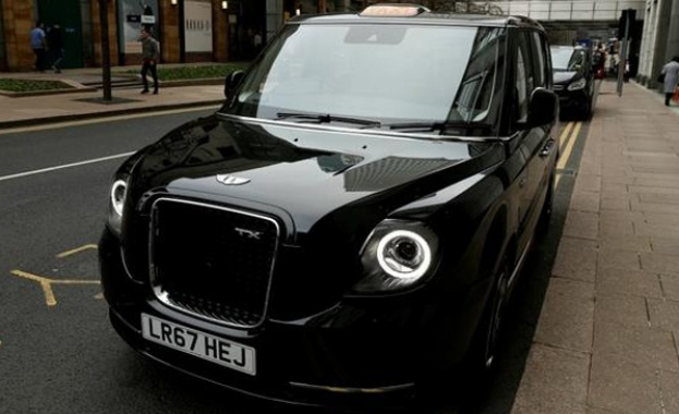 Лондон преминава към електрически таксита, но с класически вид