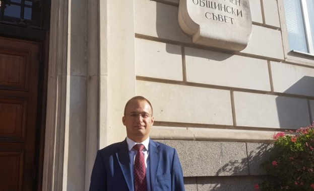 Общинският съветник Симеон Славчев предложи безплатно паркиране пред болници, поликлиники и църкви
