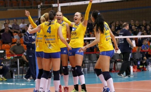 Женският волейболен тим на