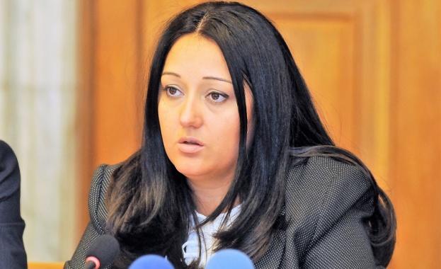 Павлова: Не смятам, че днес е най-подходящият ден за тези протести