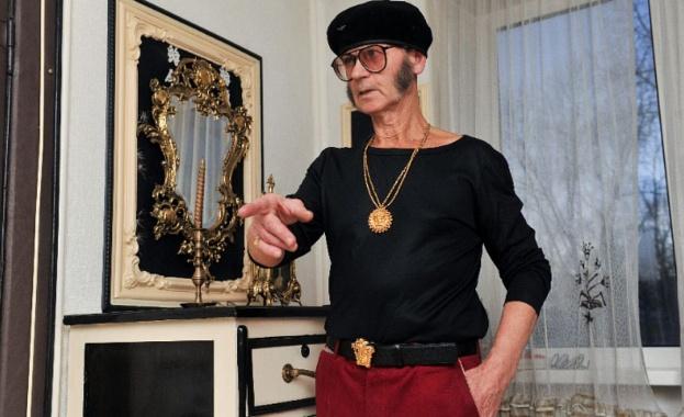 Заради навика си да се облича стилно 72-годишният руски пенсионер