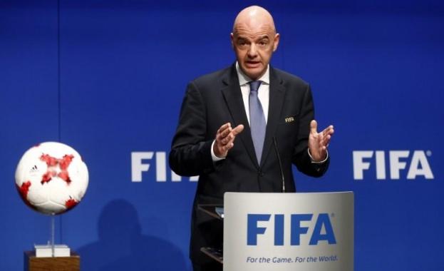 Огромен корупционен скандал с шефа на световния футбол