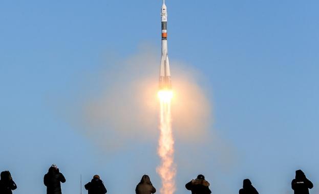 Изстреляха трима астронавти към Международната  космическа станция