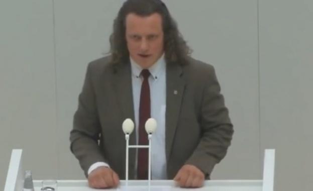 """Щефен Кьонигер от """"Алтернатива за Германия"""" за джендърманията"""