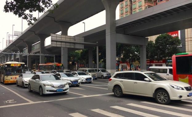 Белият цвят остава най-популярен при производството на нови автомобили, сочи