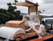Малайзийски султан се сдоби с кола като на Фред Флинтстоун
