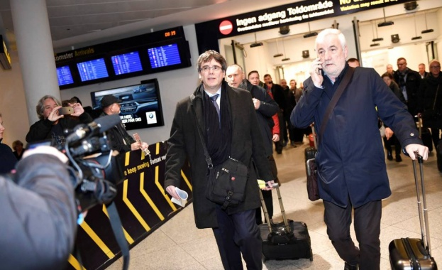 Пучдемон пристигна в Дания, подновиха заповедта му за арест