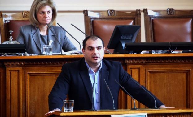 Филип Попов: Не може мнозинството, което избира изпълнителната власт, да избира и този, който ще я контролира