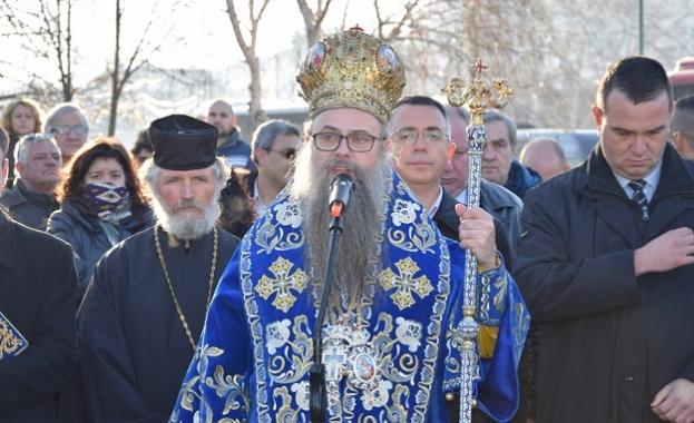 Пловдивският митрополит Николай ще отслужи благодарствен молебен след земетресението тази